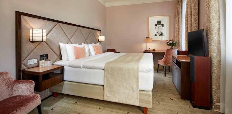 Prague Hotel Aria, deluxe room Verdi opera
