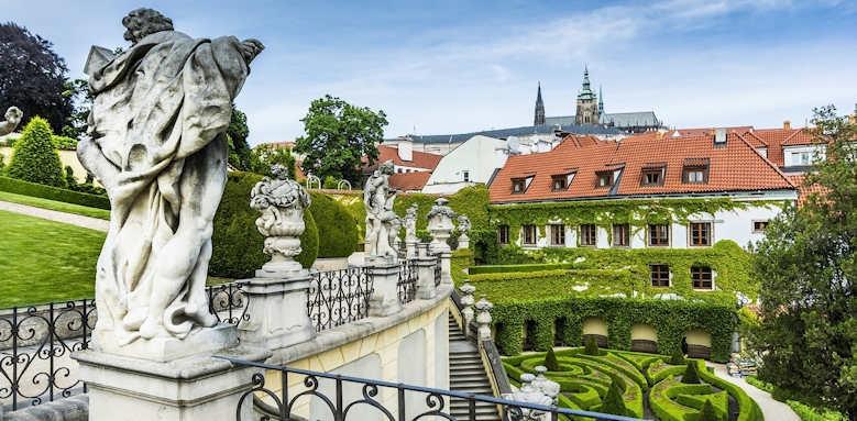 Prague Hotel Aria, statue