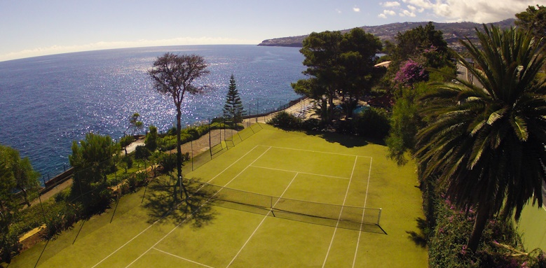 Albatroz Beach & Yacht Club, tennis courts