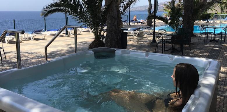 Albatroz Beach & Yacht Club, jacuzzi