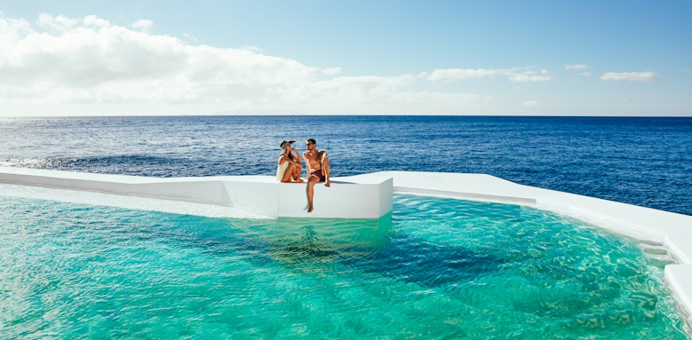 Albatroz Beach & Yacht Club, seawater pool