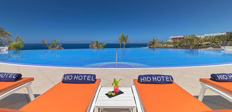 H10 Atlantic Sunset, infinity pool
