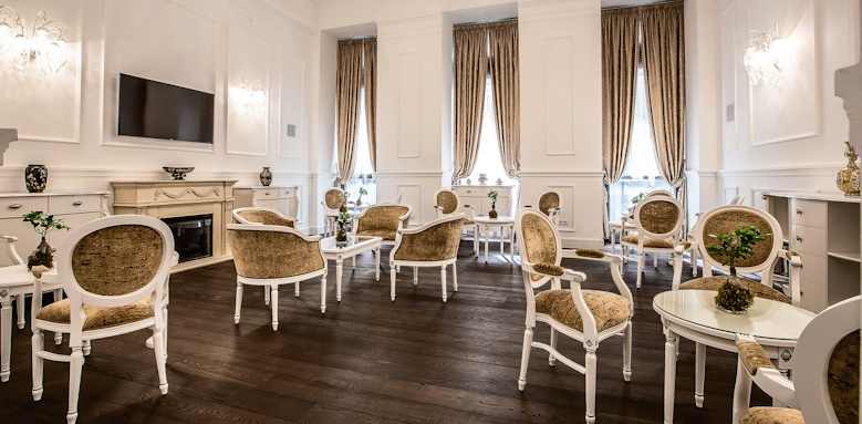 Prestige Hotel Budapest, saloon