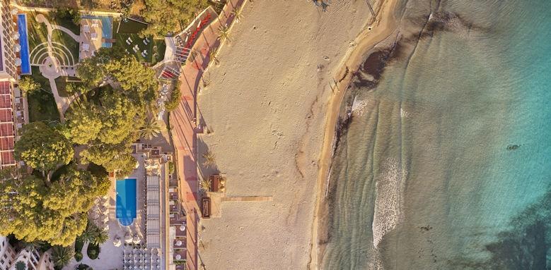 Hesperia Villamil, Beach View