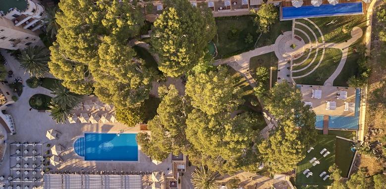 Hesperia Villamil, Pool View