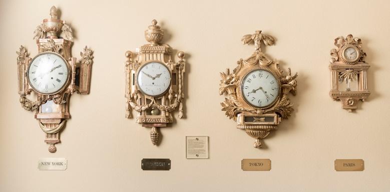 Hotel Kungstradgarden, clocks