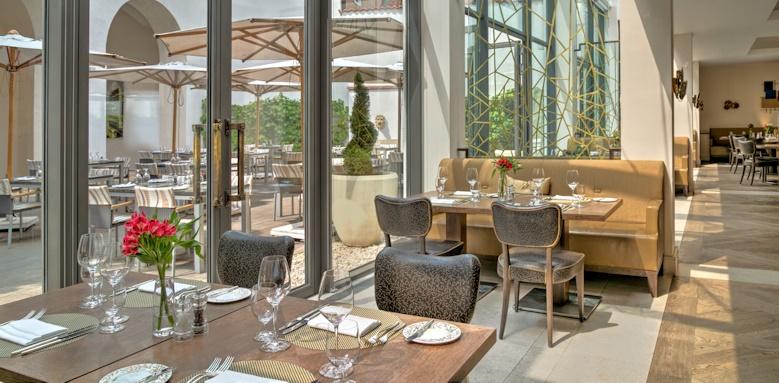 Augustine, restaurant