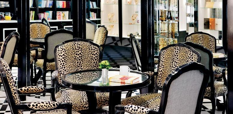 River Princess, patio lounge