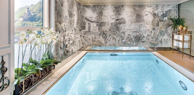 Maria Theresa, pool area