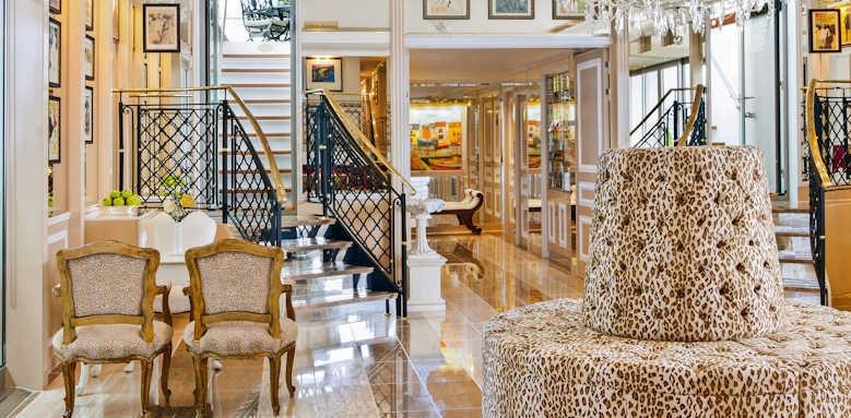 S.S. La Venezia, lobby