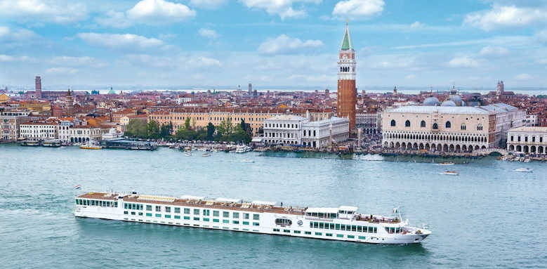 S.S. La Venezia, luxury cruise