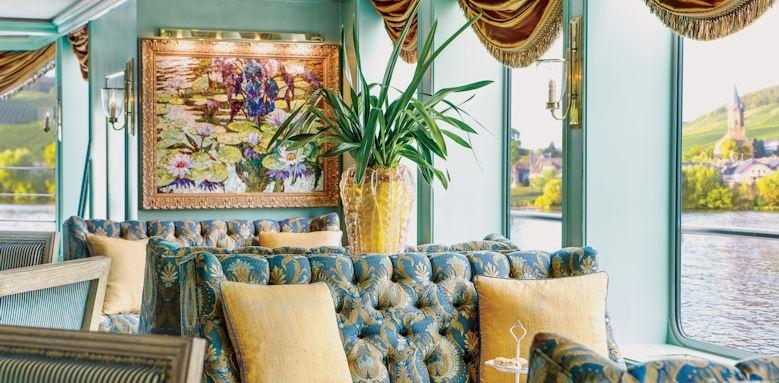 River Empress, lounge