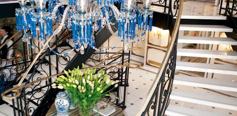S.S. Antoinette, lobby