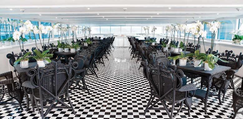 S.S. Antoinette, dining area