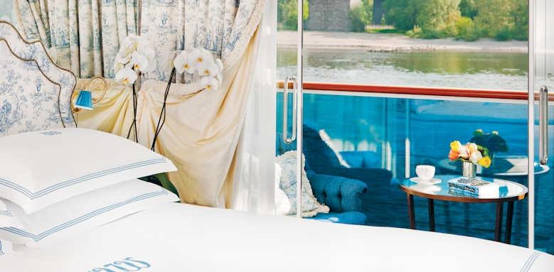 S.S. Antoinette, deluxe balcony
