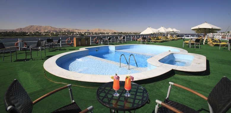 Steigenberger Regency Nile Cruise, pool area