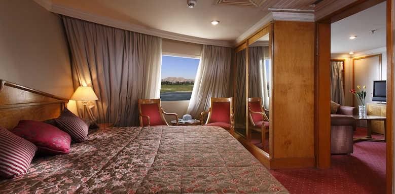 Steigenberger Regency Nile Cruise, suite bedroom