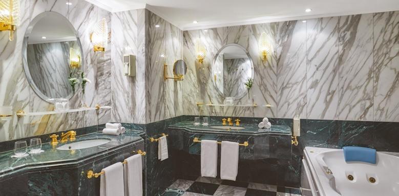 Steigenberger Achti Resort, bathroom