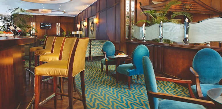 Steigenberger Cairo Pyramids Hotel, lobby bar