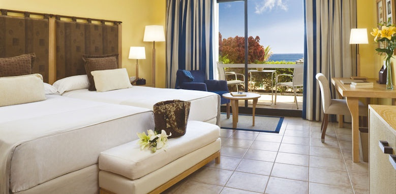 Secrets Lanzarote Resort & Spa, standard twin bed room