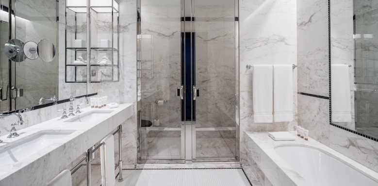 Le Monumental Palace, Bathroom