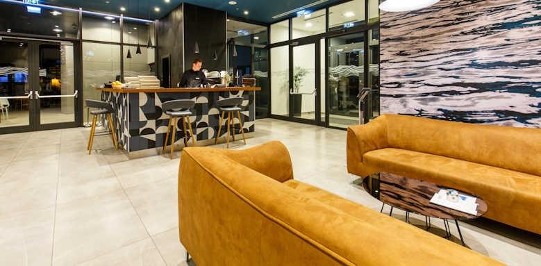 Marvie Hotel & Health, lobby