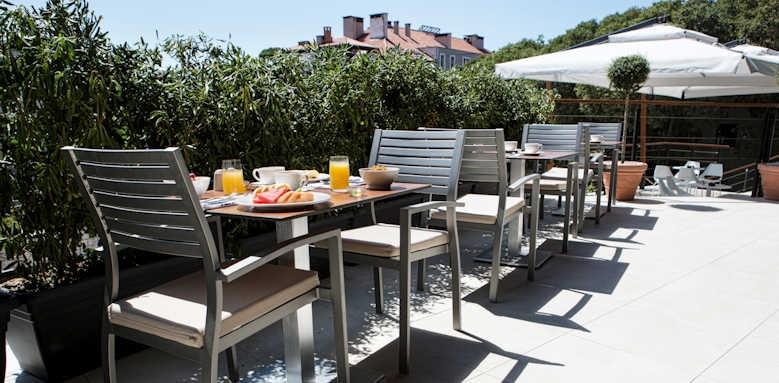 Marvie Hotel & Health, terrace area