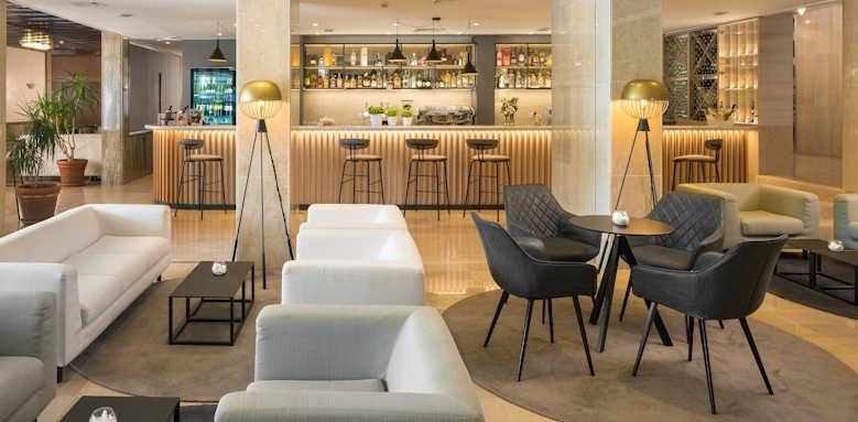 Valamar Meteor Hotel, lobby bar