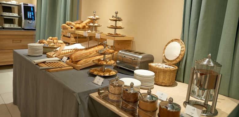 Hotel Huma, breakfast buffet