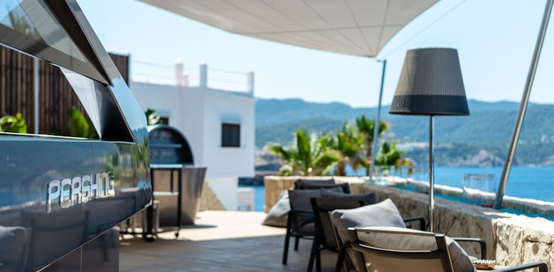 7 Pines Resort, dining pershing yacht terrace