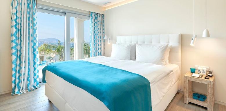 7 Pines Resort, laguna suite sea view