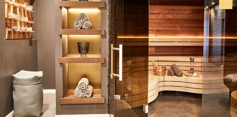 7 Pines Resort, sauna