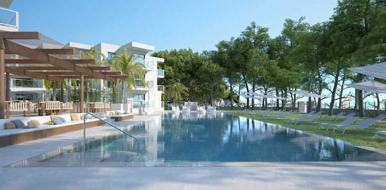 Sofia Alcudia Beach, view of pool and hotel