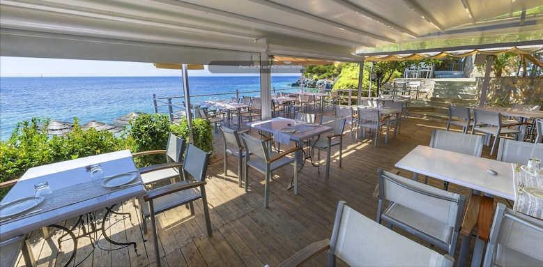 Adrina Beach Hotel, restaurant
