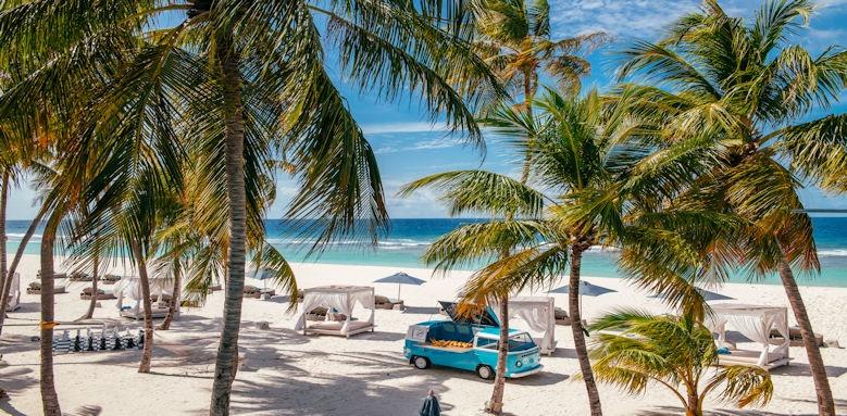Finolhu Maldives Camper Van beach