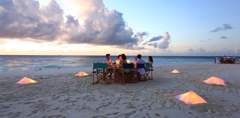 Six Senses Laamu, sandbank dining