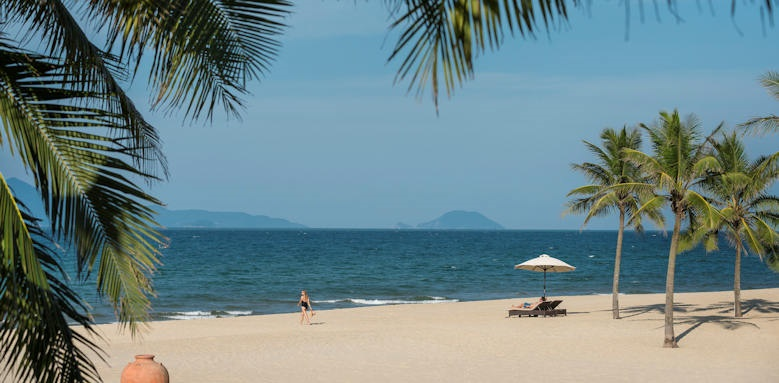 Four Seasons Nam Hai, beach