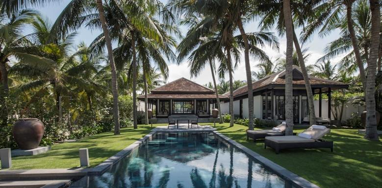 Four Seasons Nam Hai, pool
