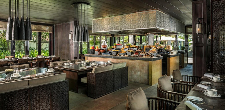 Four Seasons Nam Hai, restaurant