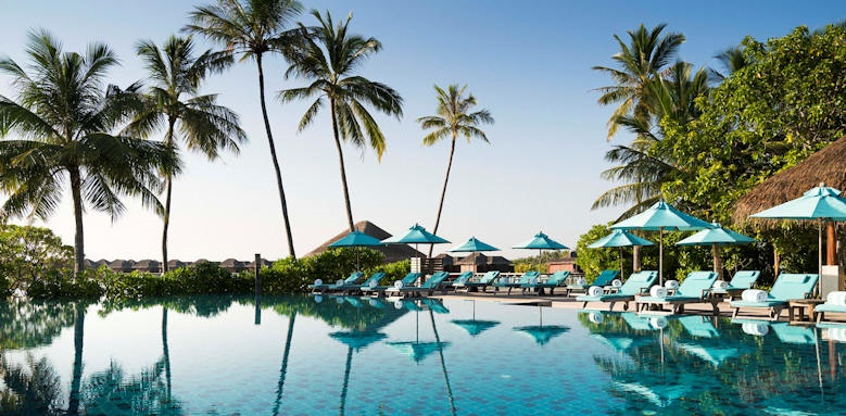 Anantara Veli Resort & Spa, pool