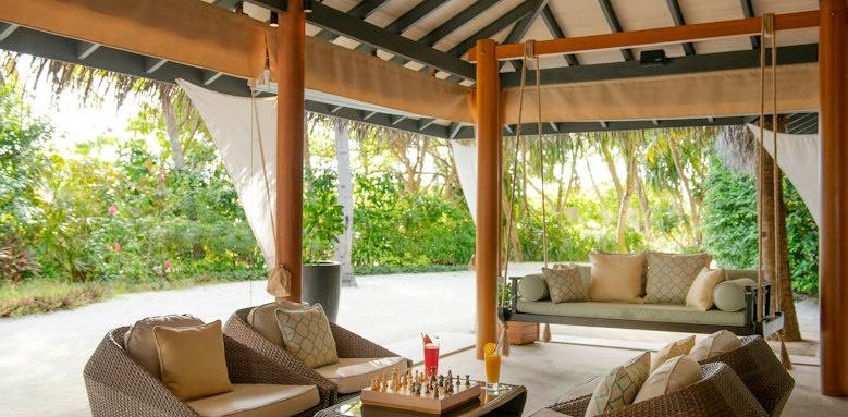 Baros Maldives, sail bar lounge
