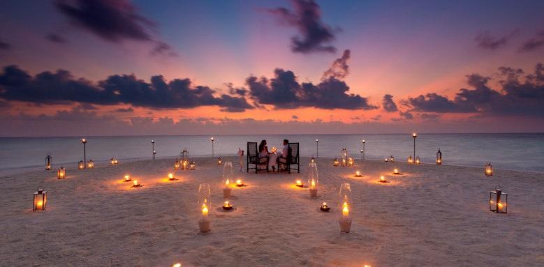 Baros Maldives, sandbank dinner