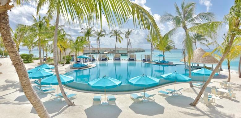 Kandima Maldives , daylight pool
