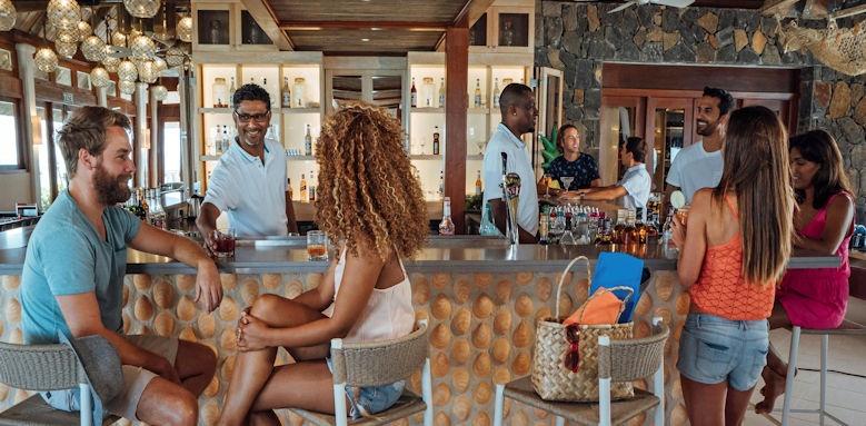 C Mauritius, lifestyle