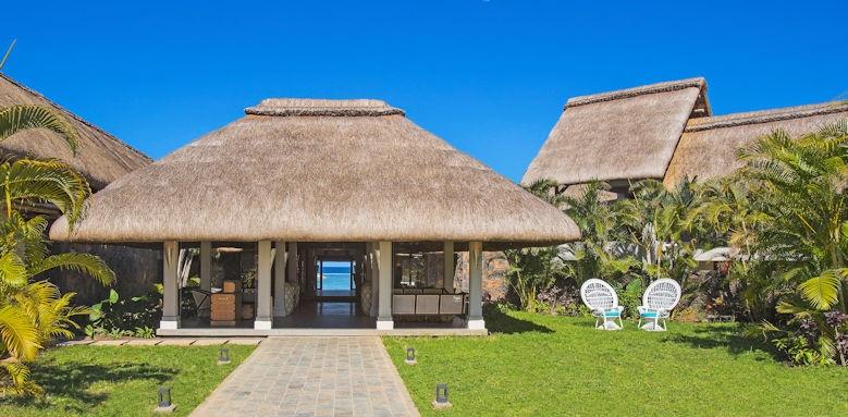 C Mauritius, main entrance