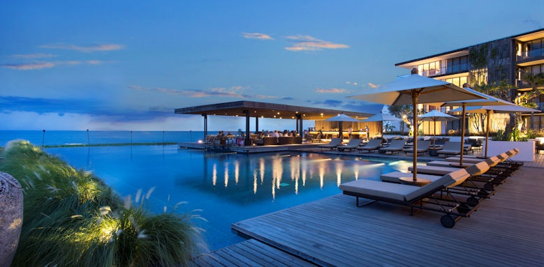 Alila Seminyak, sunset beach bar