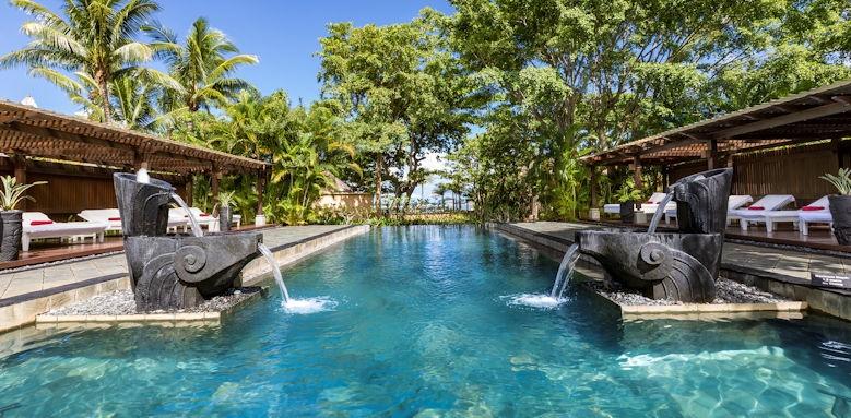 Shanti Maurice, pool