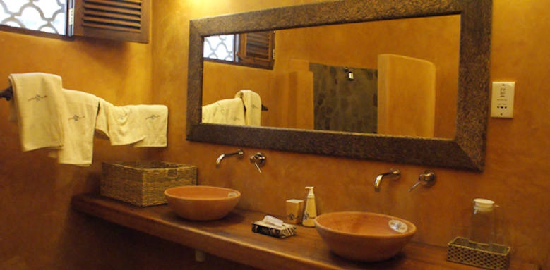 Waterlovers Beach Resort, bathroom