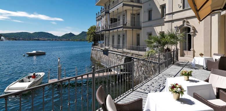 Villa Flori, hotel's boat on the river
