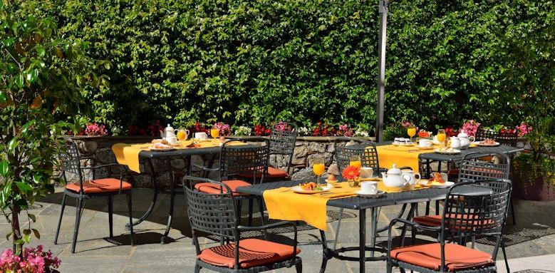 Castello dal Palazzo, outdoor breakfast